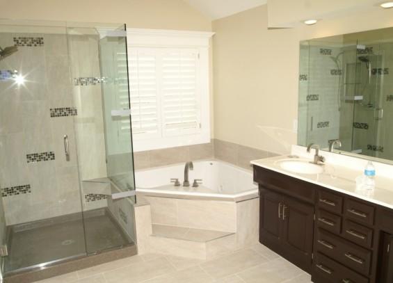 Bagni Per Case Di Campagna : Finire il bagno in casa. interni di bagni in una casa di campagna